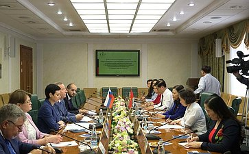 Встреча спредседателем Комитета Национального собрания Социалистической Республики Вьетнам поправовым вопросам Ле Тхи Нга