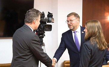 Встреча К.Косачева сЧрезвычайным иПолномочным Послом ФРГ вРоссии Гезой Андреасом фон Гейром