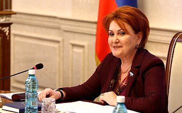 Н. Болтенко обсудила слидерами молодежных движений закон омолодежной политике