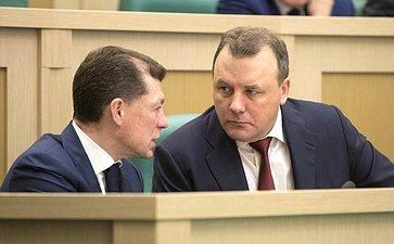 М.Топилин иА. Муравьев