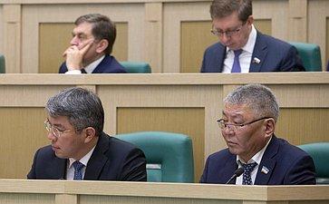 Глава Республики Бурятия А. Цыденов иПредседатель Народного Хурала Бурятии Цырен-Даши Доржиев