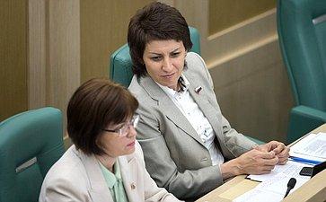 Е. Попова иТ. Лебедева