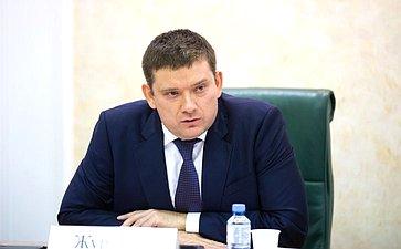 Н.Журавлев: Представители регионов заявляют онеобходимости снижения налогового бремени для малого исреднего бизнеса