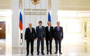Встреча И.Умаханова спредседателем Государственного комитета Азербайджанской Республики поработе сдиаспорой Ф.Мурадовым