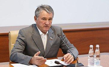 Заседание комиссии СФ поконтролю задостоверностью сведений одоходах сенаторов