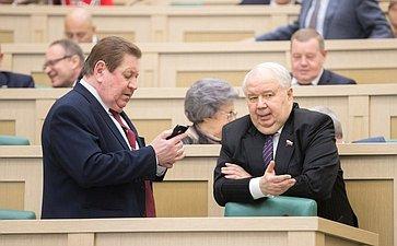 В. Литюшкин иС. Кисляк