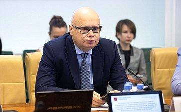 Расширенное заседание Комитета СФ посоциальной политике сучастием руководителя Федеральной службы понадзору всфере защиты прав потребителей иблагополучия человека