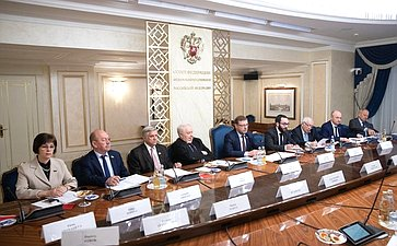 «Круглый стол» натему «Осостоянии иперспективах развития сотрудничества между Россией иИталией»