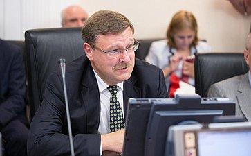 «Круглый стол» натему «Онаправлениях иперспективах повышения конкурентоспособности иэкспортного потенциала Евразийского экономического союза»