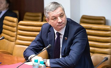 Заседание Комиссии поэкономической ипромышленной политике