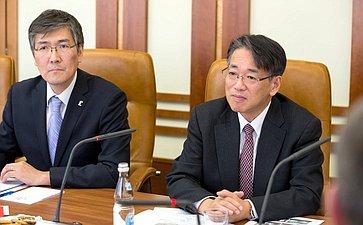 Встреча К. Косачева сЧрезвычайным иПолномочным Послом Японии вРФ Таёхиса Кодзуки