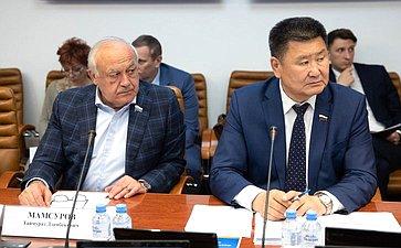 Таймураз Мамсуров иВячеслав Мархаев