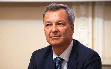 Андрей Яцкин иВладимир Полетаев наградили сотрудников Института государства иправа РАН