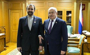 Встреча И.Умаханова сЧрезвычайным иПолномочным Послом Исламской Республики Иран вРоссийской Федерации Мехди Сана