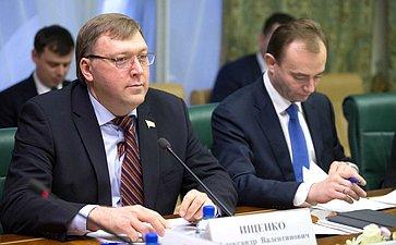 А. Ищенко иМ. Паршин