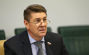 А. Шевченко провел совещание ореализации ряда постановлений палаты, принятых поитогам Дней субъектов РФ вСовете Федерации