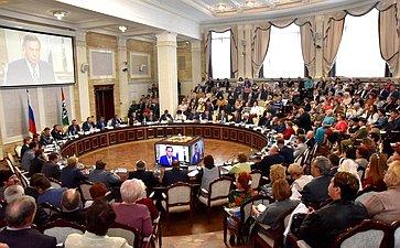 О. Мельниченко принял участие вМежрегиональном форуме местного самоуправления вНовосибирске