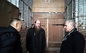 Сергей Мартынов вселе Илеть посетил храм Покрова пресвятой богородицы, требующий реконструкции