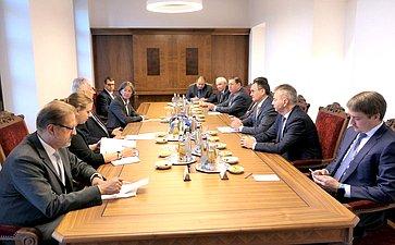 Встреча делегации Совета Федерации сзаместителем Премьер-министра Венгрии Жолтом Шемьеном вВенгрию