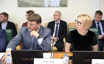 В. Лебедев иИ. Гехт