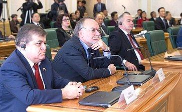 В. Джабаров иА. Тотоонов