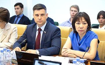 Ю. Архаров иВ. Зганич