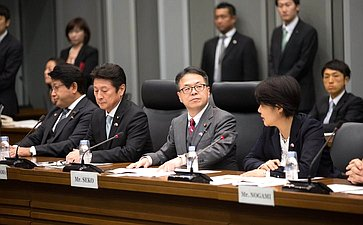 Государственный министр поэкономическому сотрудничеству сРоссией Хиросигэ Сэко