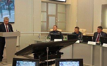 Ю. Воробьев иВ. Бондарев обсудили скурсантами университета ГПС МЧС России тематику патриотического воспитания