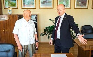 О. Цепкин принял участие воткрытии шахматного турнира «ипровел приём граждан