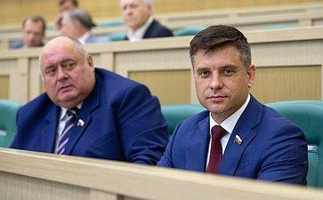 С. Аренин иЮ. Архаров