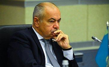 И. Умаханов: Опыт развития трансграничных регионов России иКазахстана показывает их высокую роль вовзаимодействии между странами