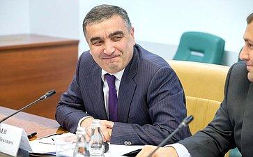 О. Хацаев