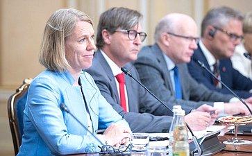 Встреча первого заместителя Председателя Совета Федерации Николая Федорова спредседателем Комитета повопросам внешней политики иобороны Стортинга Королевства Норвегия Анникен Хюитфельдт