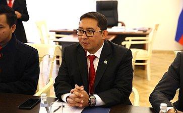 Встреча И. Умаханова счленом Конгресса Индонезии Ф. Зоном