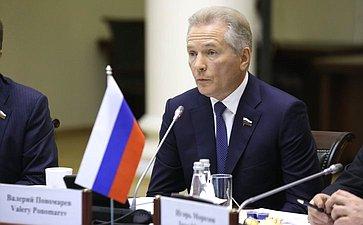 В. Пономарев