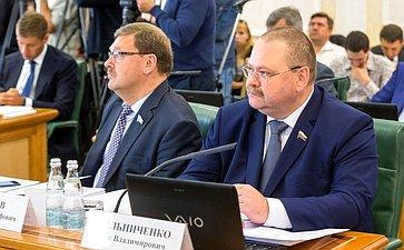 К. Косачев иО. Мельниченко