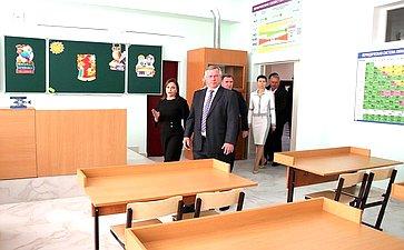 Ирина Рукавишникова приняла участие вцеремонии открытия новой школы впос. Янтарный Аксайского района