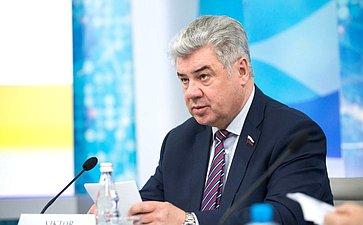 В. Бондарев