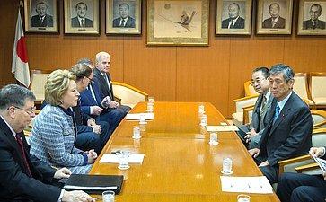 Встреча Председателя Совета Федерации Валентины Матвиенко сзаместителем председателя Либерально-демократической партии Японии Масахико Комурой