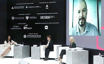 Галина Карелова приняла участие вработе сессии «Женщины иинновации: креатив как главный драйвер устойчивой экономики» наПетербургском международном экономическом форуме