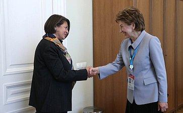 Встреча заместителя Председателя Совета Федерации Галины Кареловой срегиональным директором отделения Детского фонда ООН (ЮНИСЕФ) постранам Европы иЦентральной Азии Афшан Хан