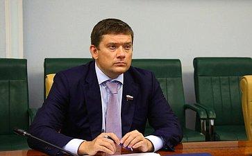 Н. Журавлев: Важно создавать эффективные механизмы защиты прав изаконных интересов потребителей финансовых услуг