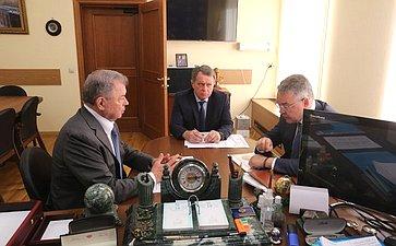 Анатолий Артамонов провел рабочую встречу сВладимиром Владимировым