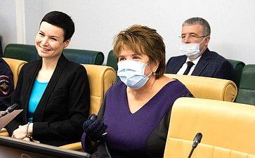 Ирина Рукавишникова иЛюбовь Глебова