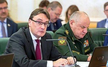 Е. Иванов иП. Попов