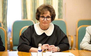 Встреча Е. Лаховой «наполях» Второго Евразийского женского форума сенатор встретилась сПредседателем Всекитайской федерации женщин Шэнь Юэюэ