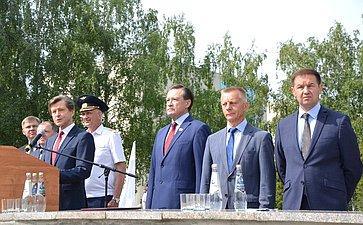 С. Рябухин принял участие вцеремонии выпуска авиационных специалистов вУльяновском институте гражданской авиации