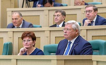 Оксана Козловская иСергей Жвачкин