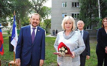 Сергей Белоусов поздравил студентов ипреподавателей Алтайского архитектурно-строительного колледжа сДнём знаний