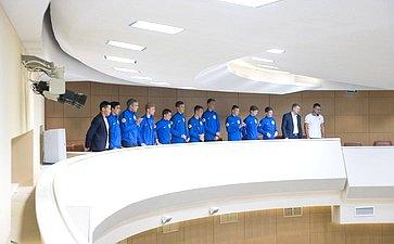 На416-м заседании Совета Федерации присутствуют юные футболисты